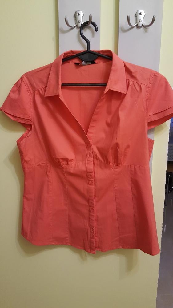 Koralowa koszulka z krótkim rękawem
