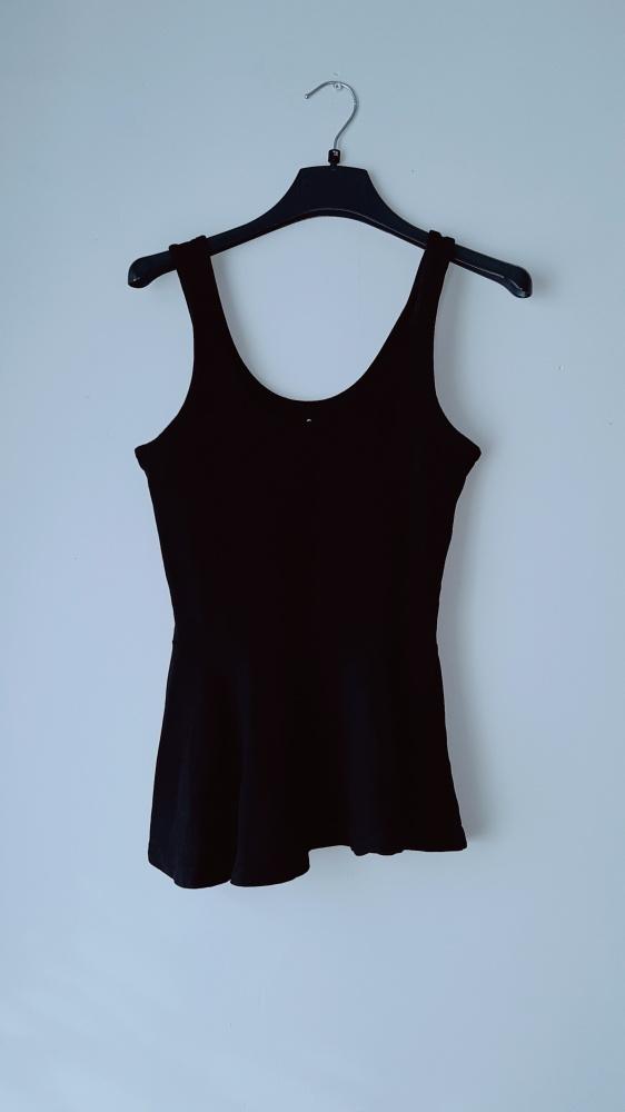 Bluzki Czarna bluzka na ramiączka baskinka