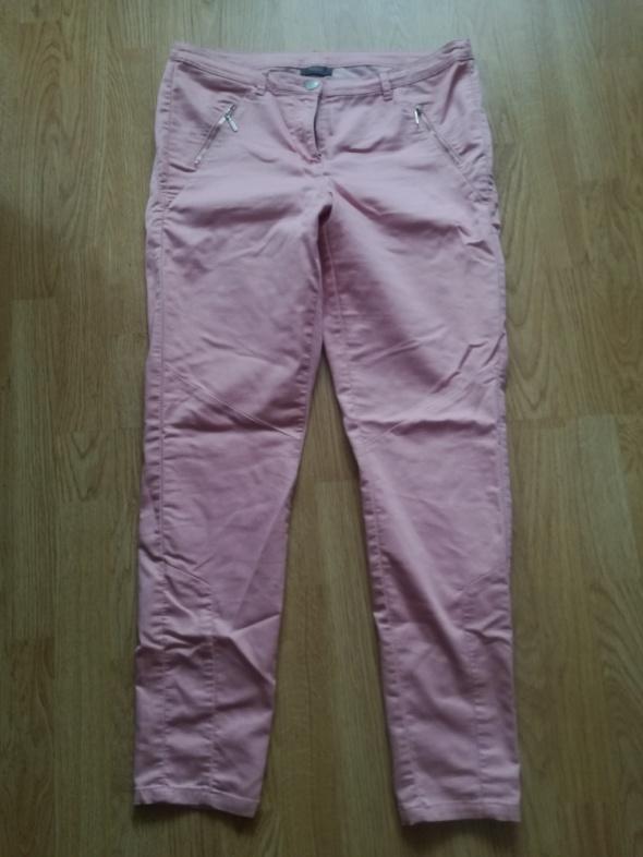 Yessica pudrowy roz spodnie rozmiar 42...