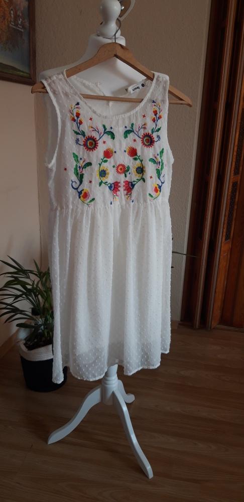 sukienka biała boho lekka delikatna