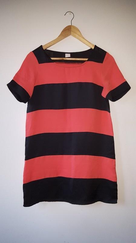 Krótka sukienka tunika w paski czarno łososiowe XS