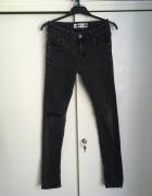 jeansy z dziurą S M...