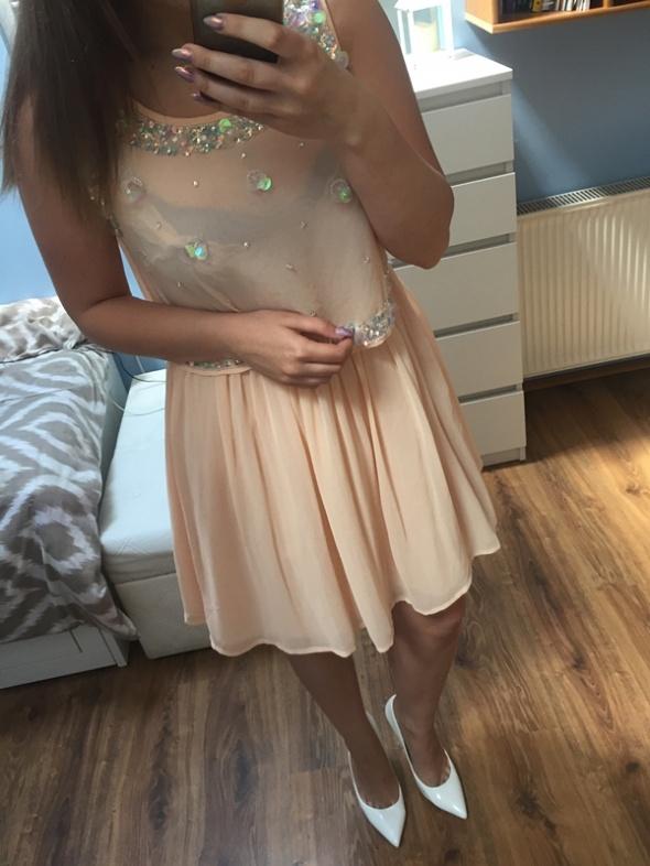 Nowa rozkloszowana sukienka Asos L