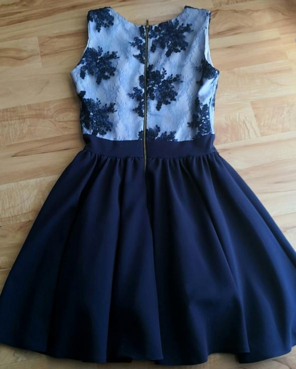 Sukienka rozmiar XS