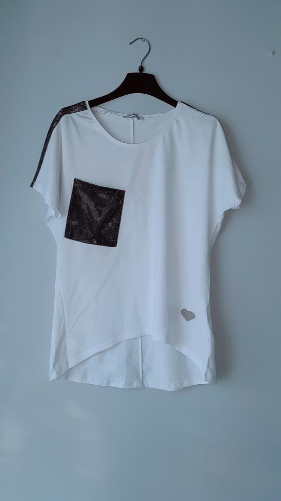 Idealna biała bluzka...