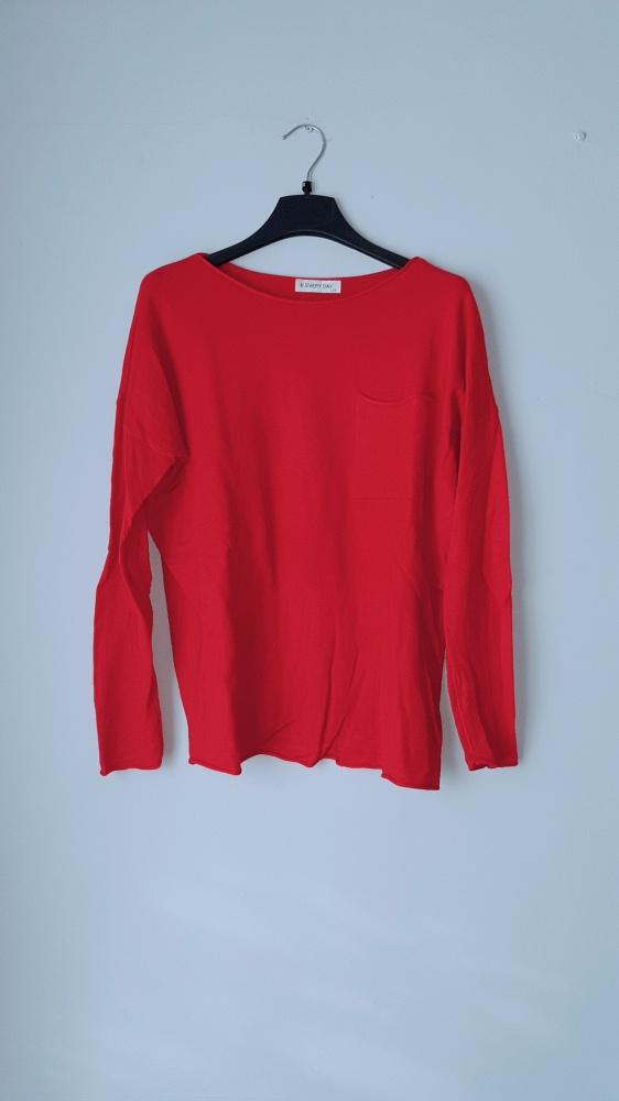 Idealny czerwony sweterek M