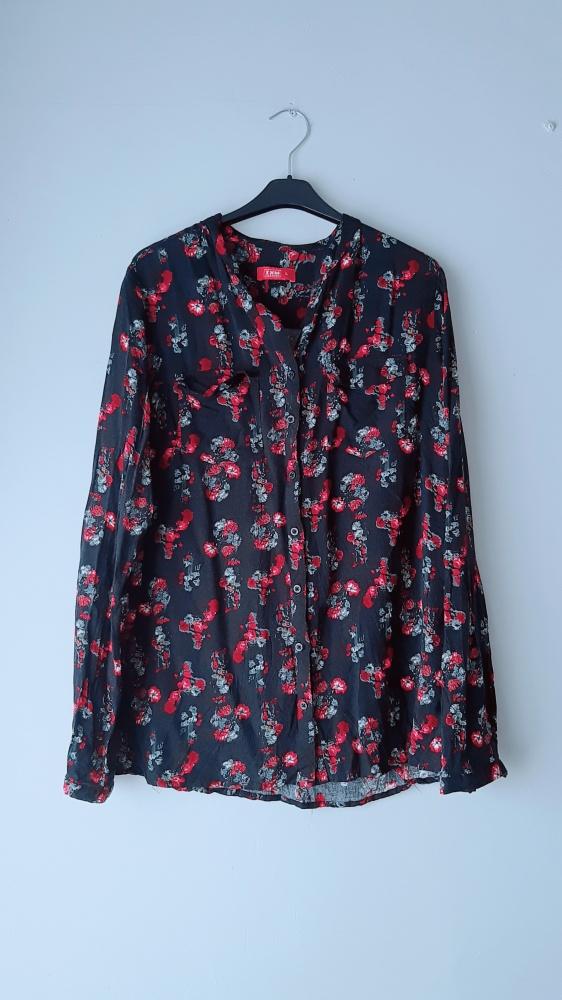 Idealna czarna koszula w kwiatki