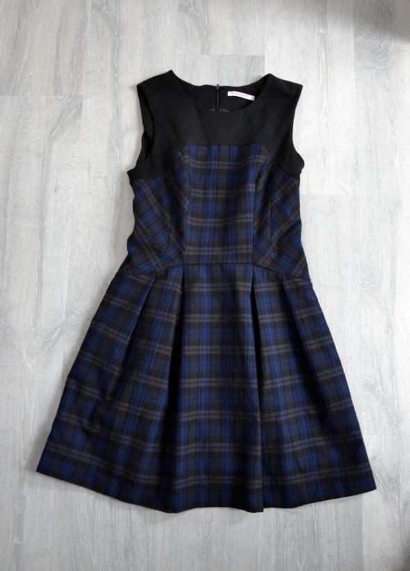Czarna sukienka camaieu bez rękawów w kratkę
