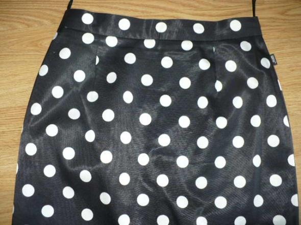 spódnica czarna w grochy