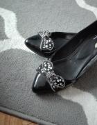 Czarne lakierowane balerinki...