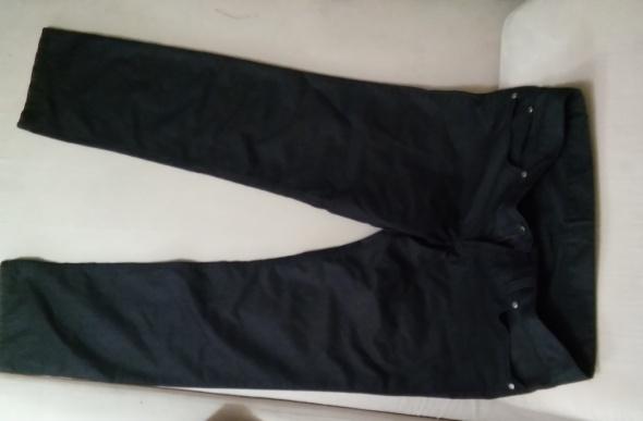 Męskie spodnie eleganckie