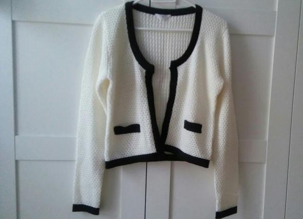 Rozpinany sweter biało czarny chanelka...