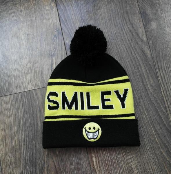 Reserved Smiley czapka ciepła czarna M...