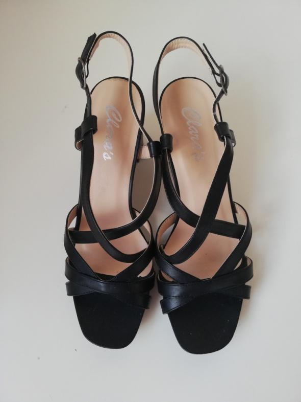 Eleganckie czarne sandały