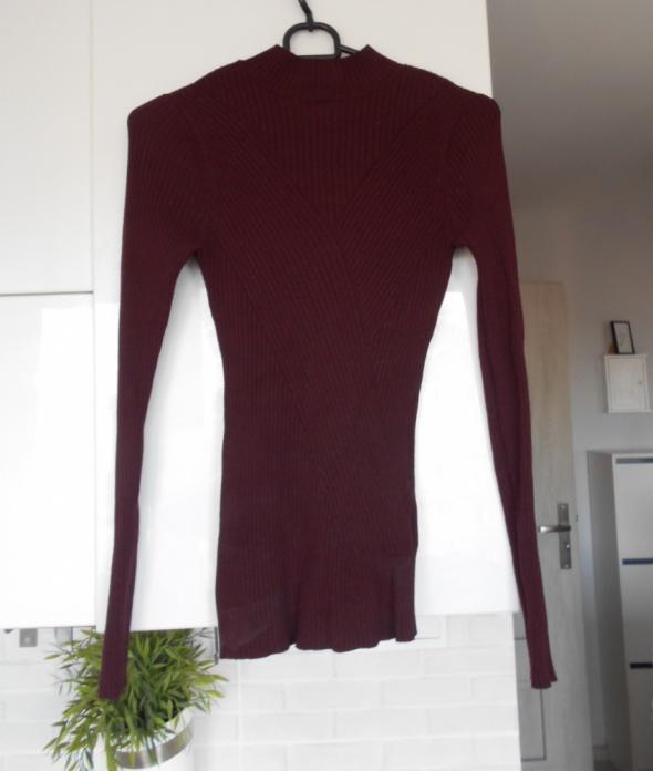 HM bordowy dopasowany sweter...