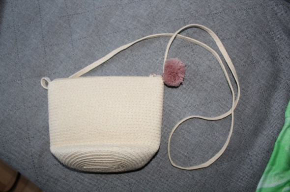slomkowa torebka z pomponem...