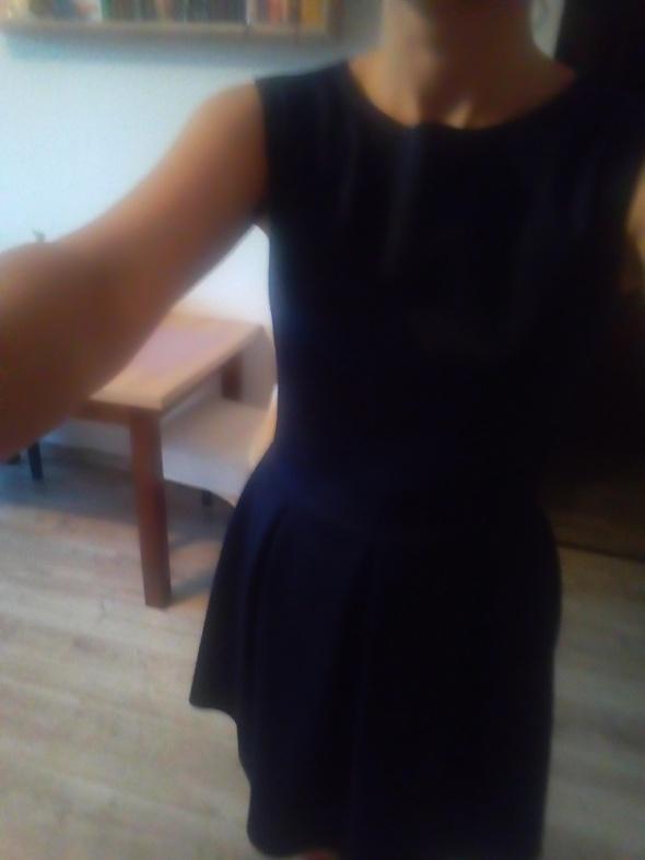 Sukienka rozkloszowana granatowa...