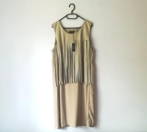 Beżowa sukienka z frędzlami Bon Prix...