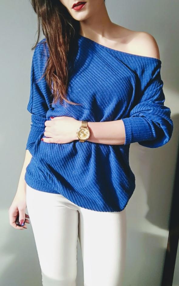 Sweterek oversize niebieski cold arm...
