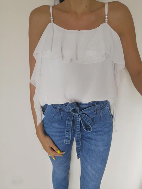 Koszula damska falbanki biała uniwersalna