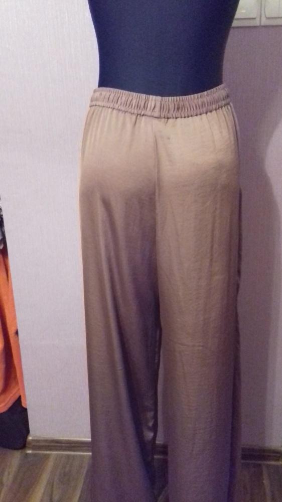 Szerokie wygodne jedwabiste spodnie HM w kolorze starego złota L XL