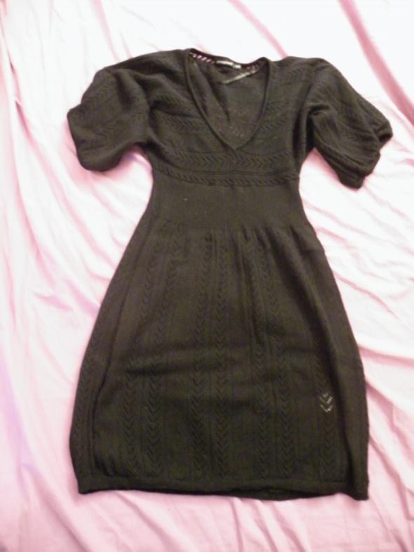 Czarna sukienka tunika atmosphere 36