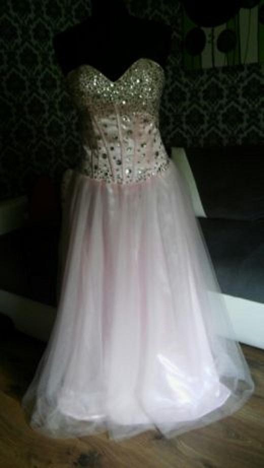 Długa gorsetowa suknia róż tiul M