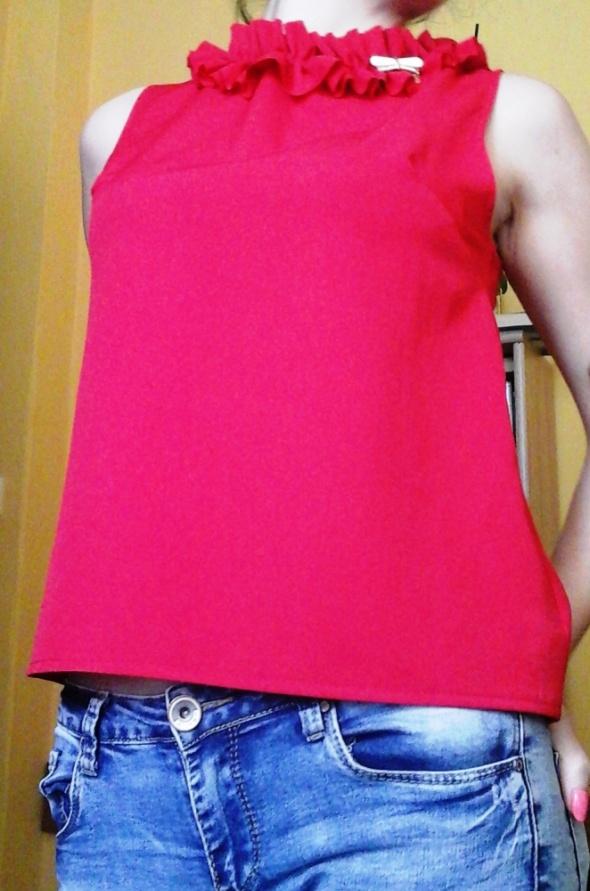 Bluzki Czerwona bluzka