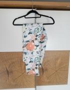 Białe spodnie w kwiaty...