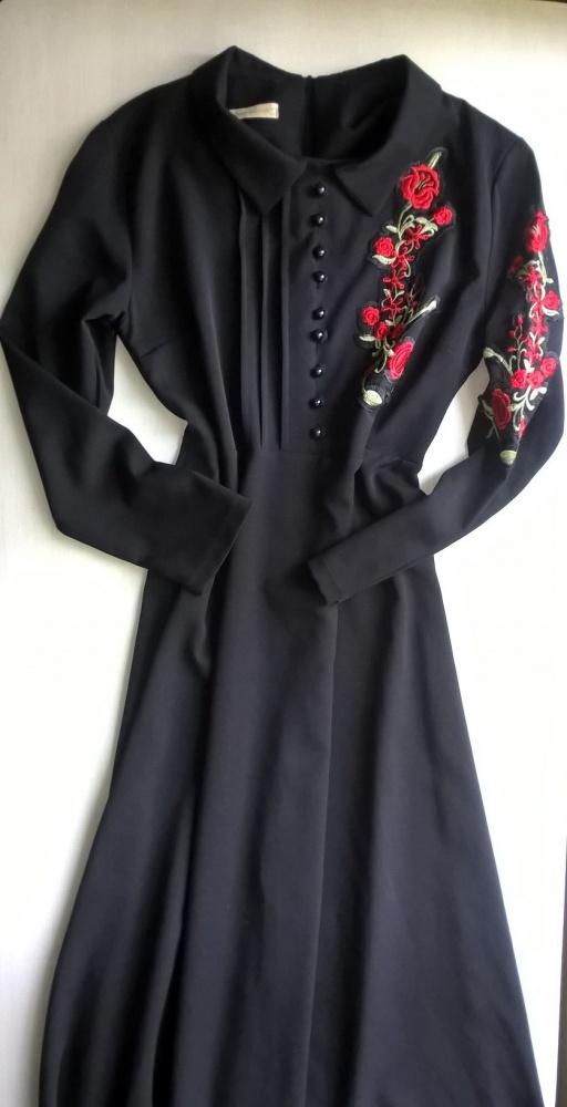Czarna maxi sukienka czerwone kwiaty 42 44