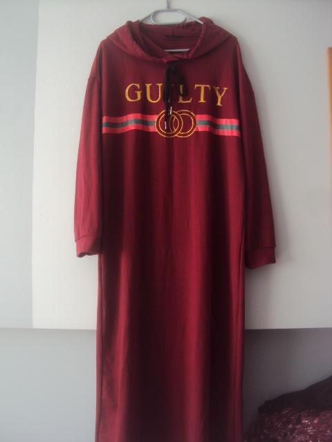 dresowa sukienaka midi z kapturkiem...
