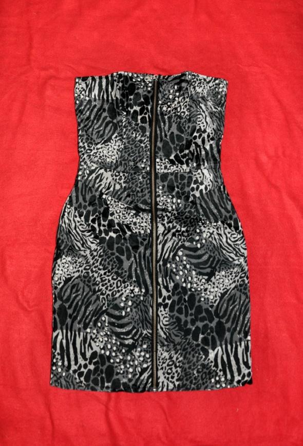 sukienka w cętki z zipem...