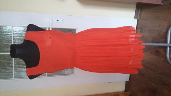 Zwiewna sukienka plisowana SM