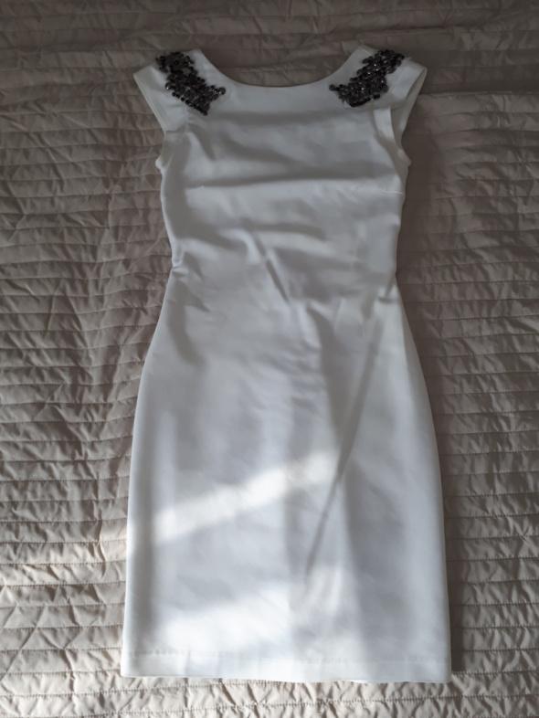 Biała sukienka ZARA XS bez pleców...