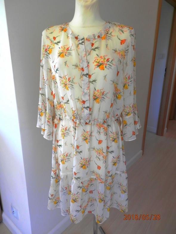 Sukienka Kremowa Kwiaty Modne Rękawy Rozkloszowana Midi by UK 42