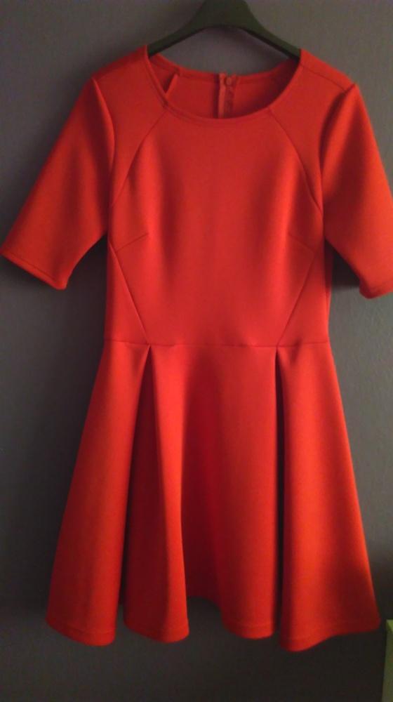 Czerwona rozkloszowana sukienka S M