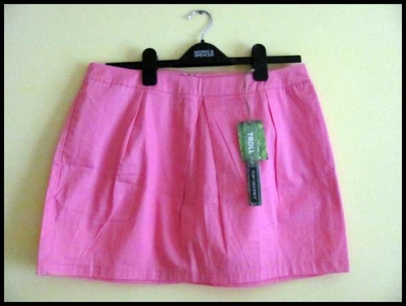 Spódniczka mini TOP SECRET rozmiar L stan idealny...