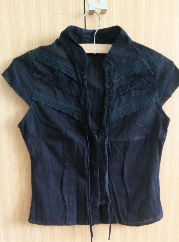 Czarna bluzka ze stójką i koronką XS 34