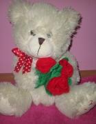 Miś z bukietem róż WITH LOVE maskotki przytulanki...