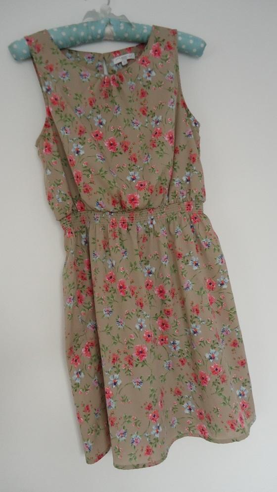 sukienka kwiaty New Look...