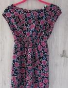 Śliczna bluzka w róże NEW LOOK idealna na lato