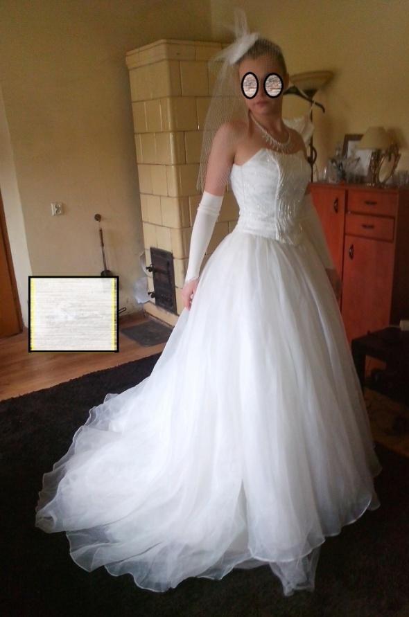 Suknia ślubna księżniczka 36 i 38 z toczkiem