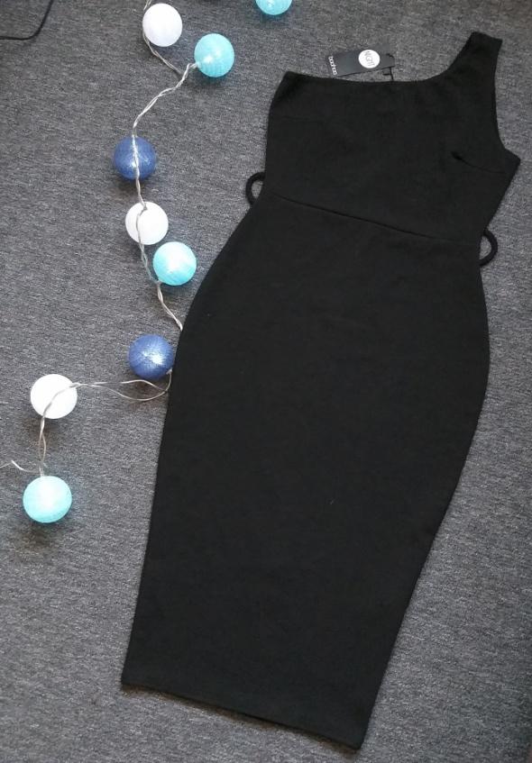 Suknie i sukienki Nowa Sukienka Boohoo M L