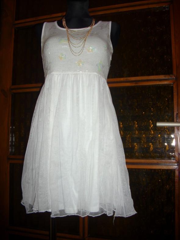 Suknie i sukienki ŚLICZNA TIULOWO CEKINOWA SUKIENKA S