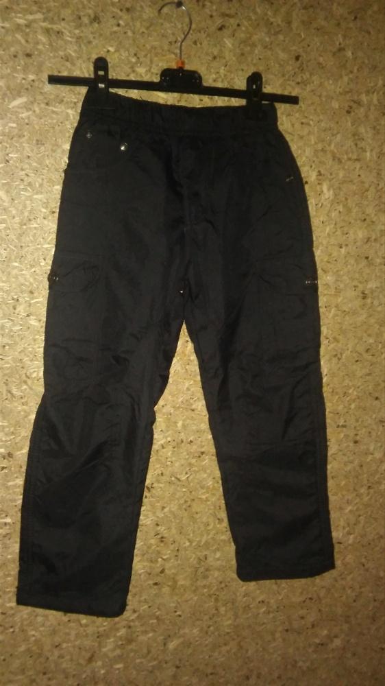 Czarne ocieplane spodnie narciarskie 122 cm