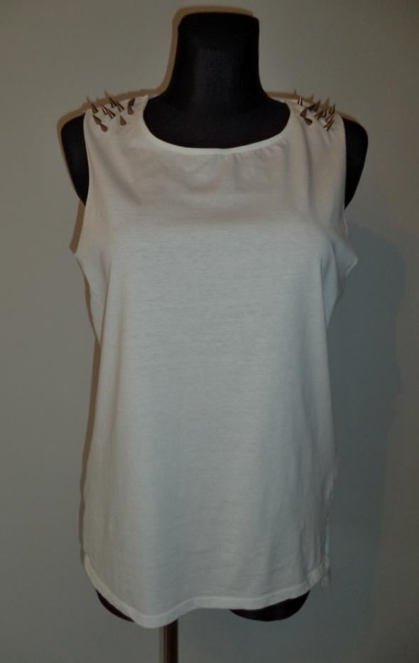 Biała bluzka kolce