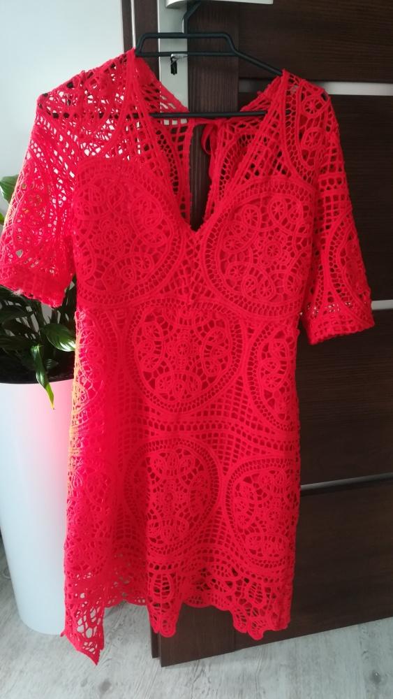 Sukienka czerwona koronkowa