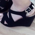 Koturny czarne zamszowe NOWE szpilki sandały koturna