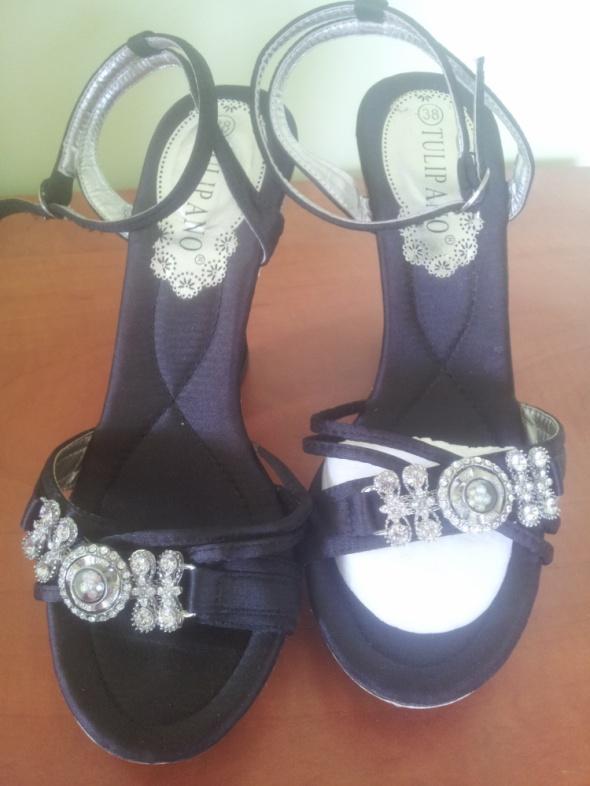 sandały z cyrkoniami