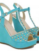 Niebieskie sandałki ćwieki na koturnie...